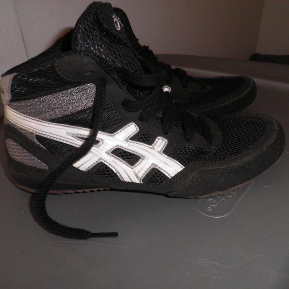 asics kids trainers size 3